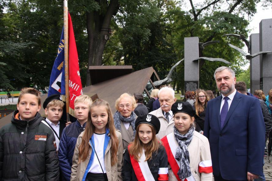 Obchody 75. rocznicy powstania Polskiego Państwa Podziemnego - kliknij aby powiększyć