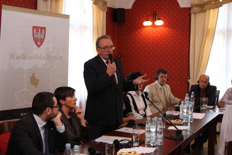 21 sierpnia odbyło się spotkanie z delegacją Obwodu Lwowskiego uczestniczącą w projekcie Wsparcie przemian demokratycznych na Ukrainie poprzez aktywizację obywateli w u wzajemnej pomocy.Gospodarzem spotkania był Wicemarszałek Wojciech Jankowiak- kliknij aby powiększyć