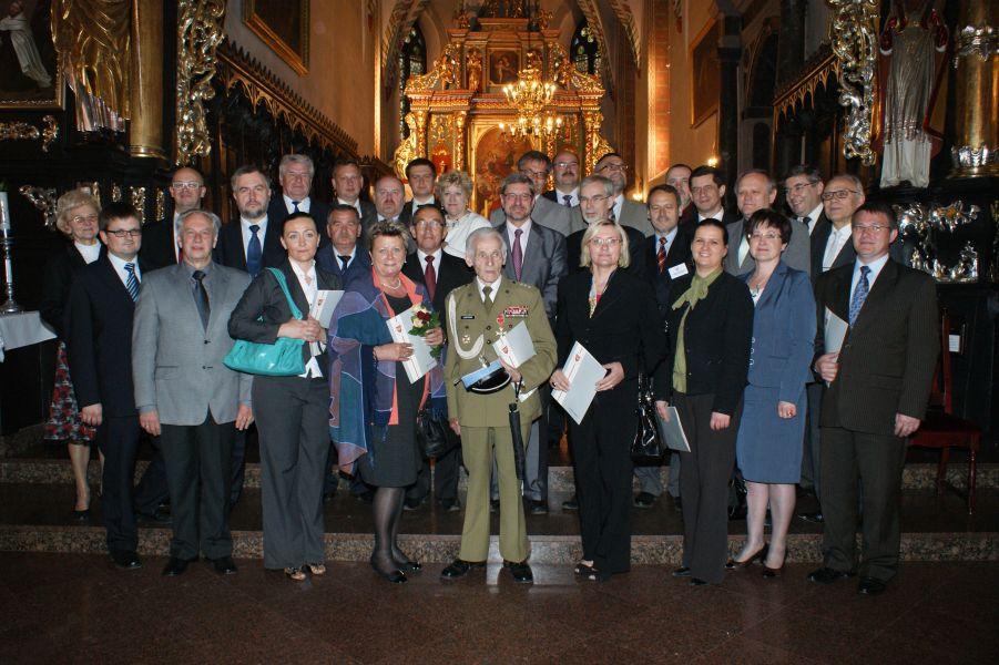 30 maja w Kolegiacie p.w. Wniebowzięcia Najświętszej Maryi Panny w Środzie Wielkopolskiej odbyła się uroczysta Sesja Sejmiku Województwa Wielkopolskiego- kliknij aby powiększyć