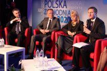 Założenia Strategii  Rozwoju Polski Zachodniej z podpisami pięciu marszałków województw Polski Zachodniej zostały przekazane 2 kwietnia br. minister rozwoju regionalnego Elżbiecie Bieńkowskiej- kliknij aby powiększyć