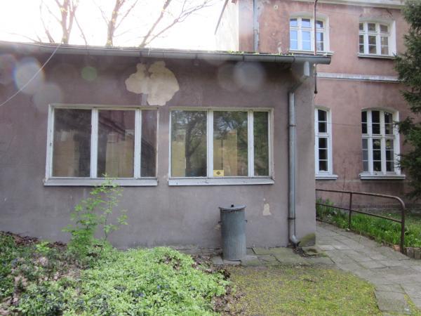 Budynek z zewnątrz przed termomodernizacją- kliknij aby powiększyć