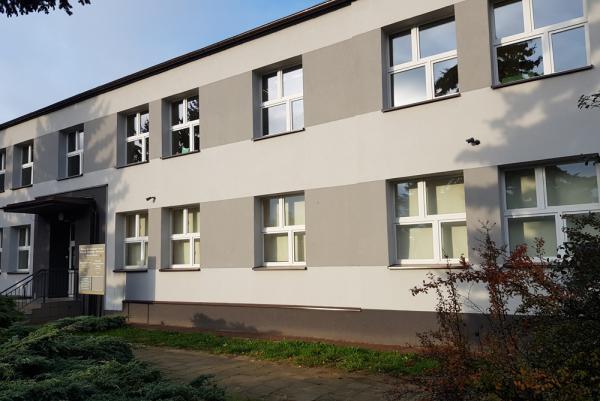 Budynek szkoły z zewnątrz po zrealizowaniu inwestycji- kliknij aby powiększyć