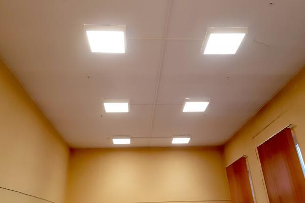 Oświetlenie w pomieszczeniu szkoły po wymianie- kliknij aby powiększyć