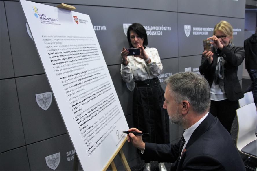 Urząd Marszałkowski w Poznaniu otwarty na różnorodność- kliknij aby powiększyć