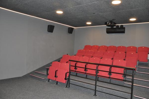 Sala kinowa widok na widownię (21 foteli)- kliknij aby powiększyć