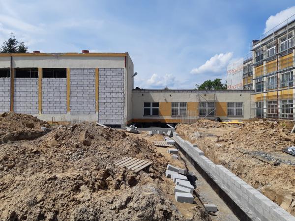 Dobudowa skrzydła szkoły prace fundamentowe- kliknij aby powiększyć