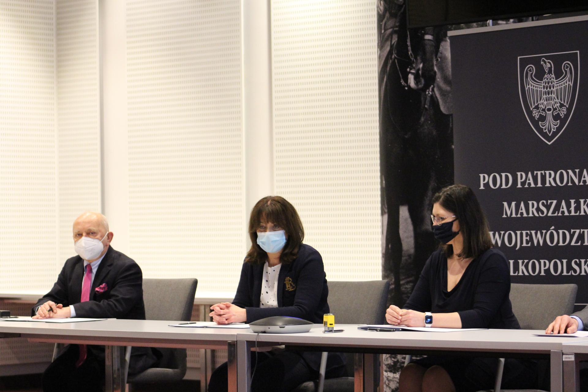 Milion złotych na dofinansowanie in vitro w Wielkopolsce – umowy  podpisane- kliknij aby powiększyć