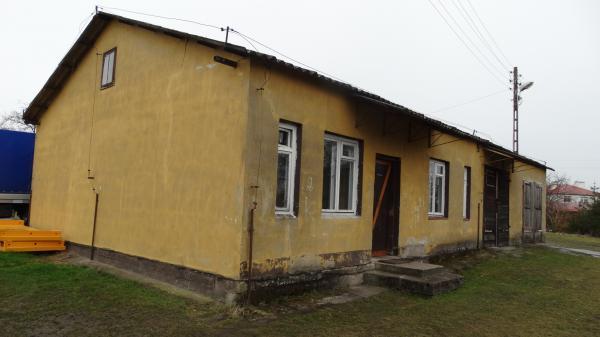 Stara Łubianka - Budynek dydaktyczny z zewnątrz przed modernizacją- kliknij aby powiększyć