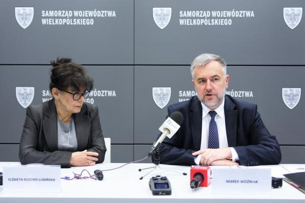 Marszałek Marek Woźniak i Elżbieta Kuzdro-Lubińska, Skarbnik Województwa- kliknij aby powiększyć