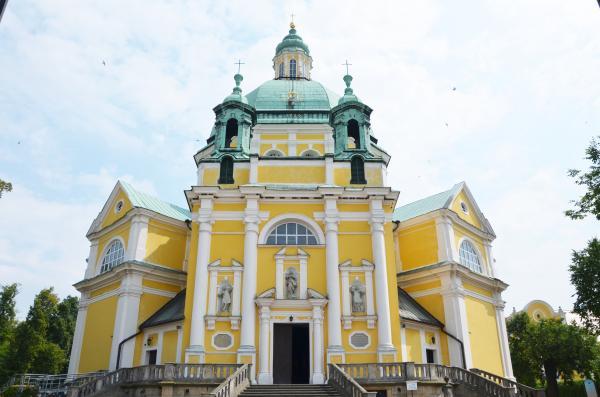 Klasztor filipinów na Świętej Górze. Fot. T Jaraczew- kliknij aby powiększyć