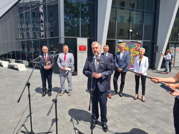 Briefing prasowy Marszałka Marka Woźniaka, 10 czerwca 2021 r., DK Oskard- kliknij aby powiększyć