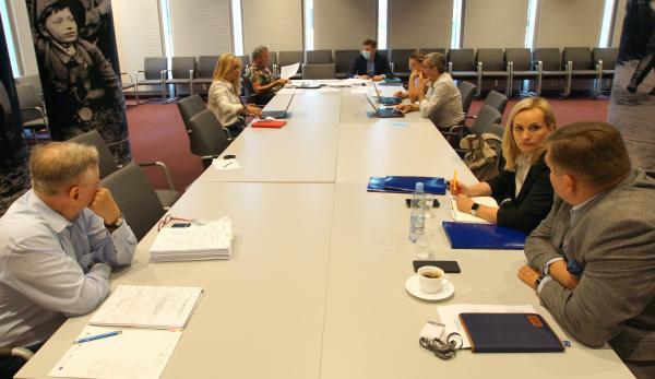 posiedzenie komisji- kliknij aby powiększyć
