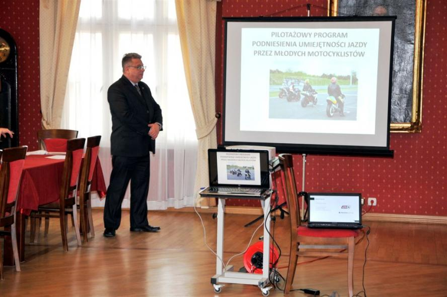 Posiedzenie Wojewódzkiej Rady Bezpieczeństwa Ruchu Drogowego w Poznaniu - zobacz więcej