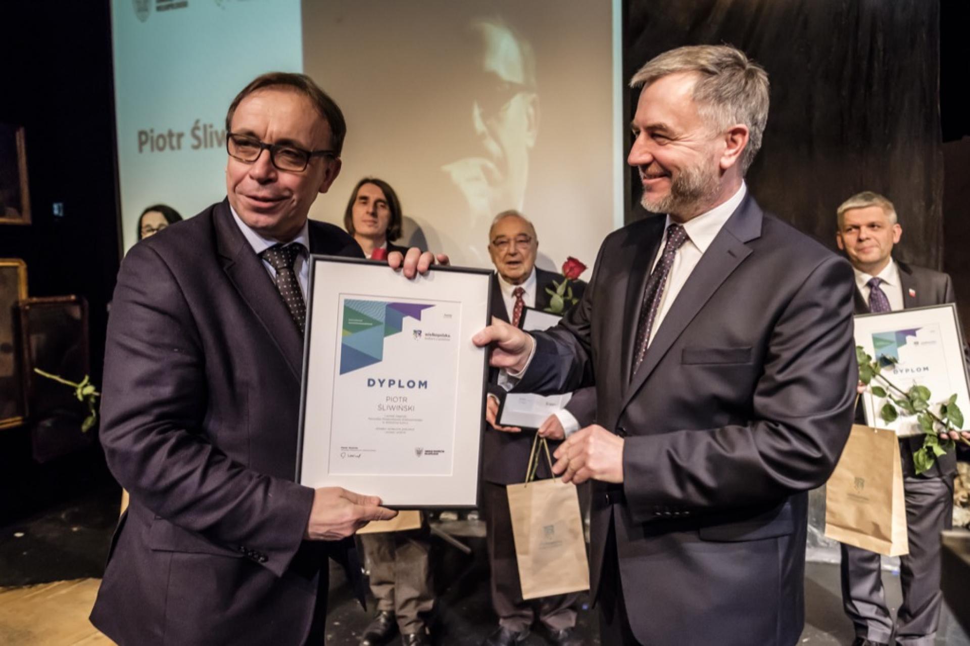 Nagrody i stypendia Marszałka dla najlepszych w dziedzinie kultury  - zobacz więcej