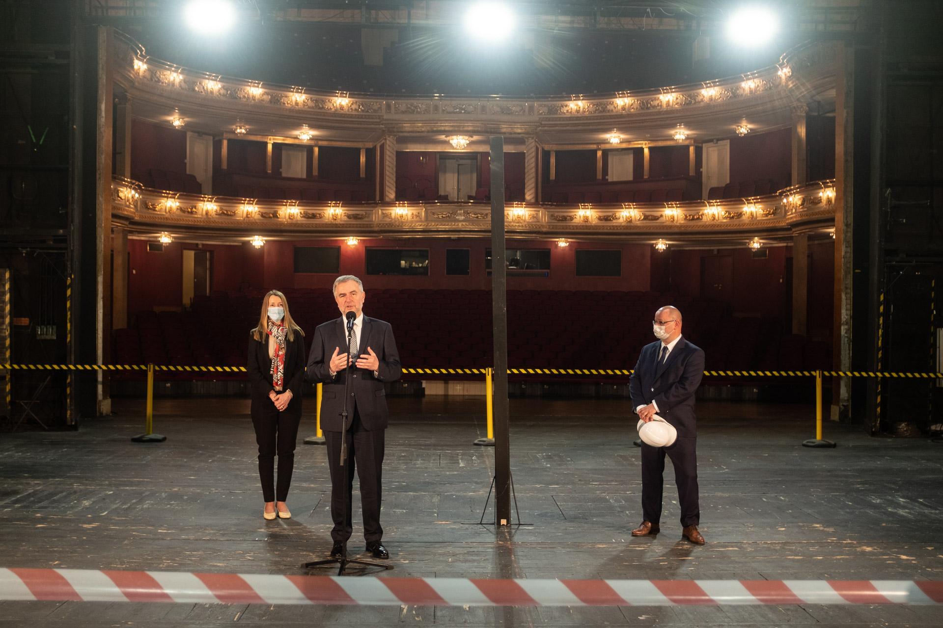 Wielki remont sceny w Teatrze Wielkim im. Stanisława Moniuszki w Poznaniu - zobacz więcej