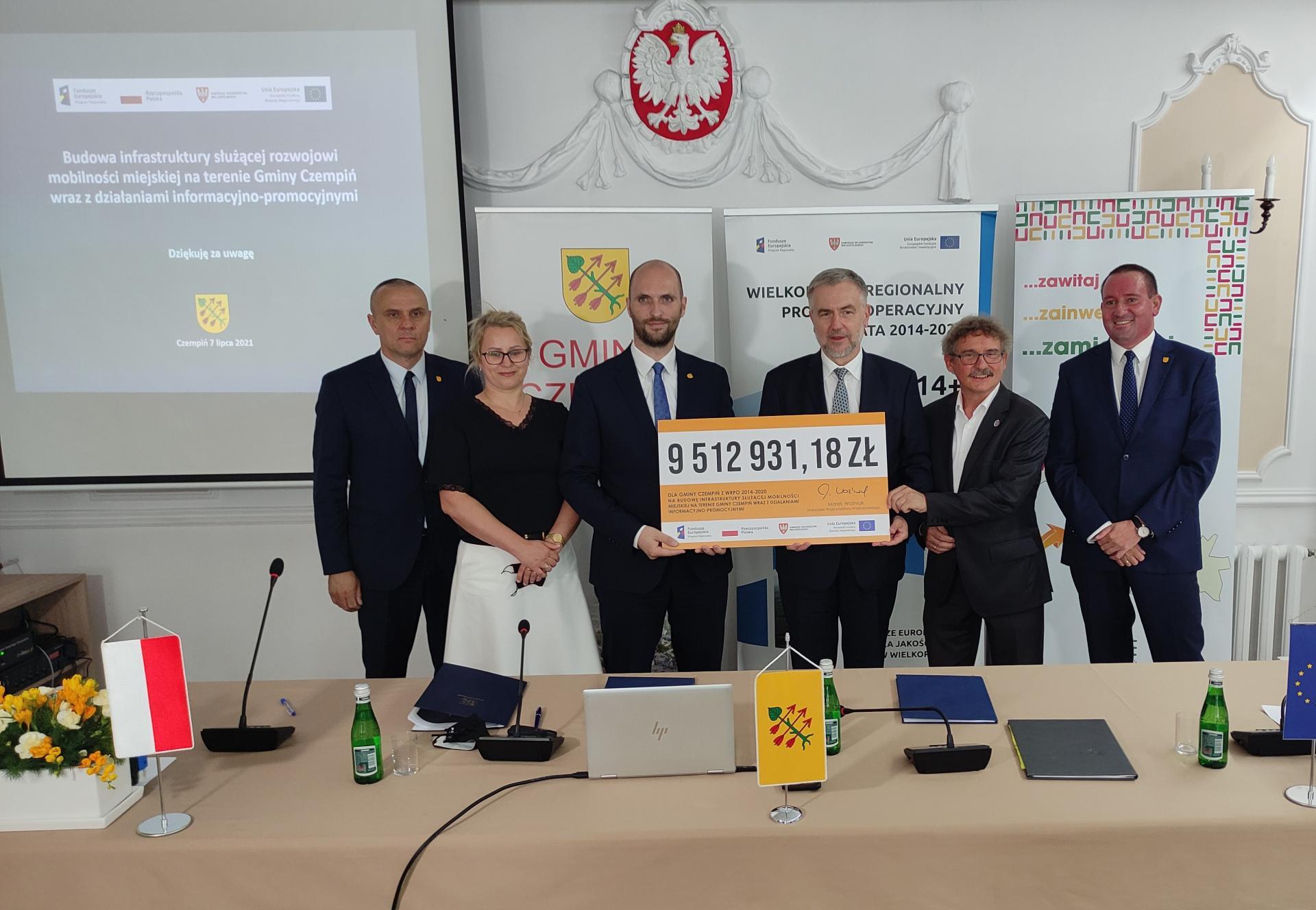 Gminy Czempiń i Śrem dostały w sumie ponad 13 mln złotych z Unii Europejskiej na budowę ścieżek pieszo-rowerowych   - zobacz więcej