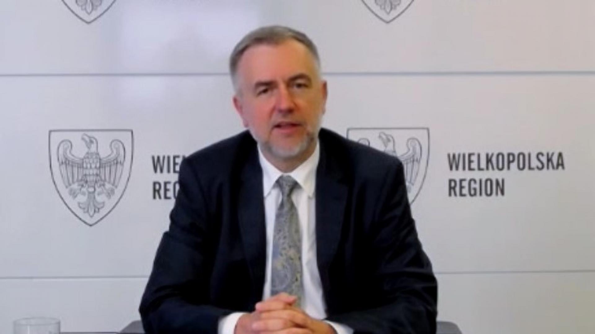 Marszałek M. Woźniak dyskutuje z unijną Komisarz E. Ferreirą nt. roli regionów w odbudowie Europy - zobacz więcej
