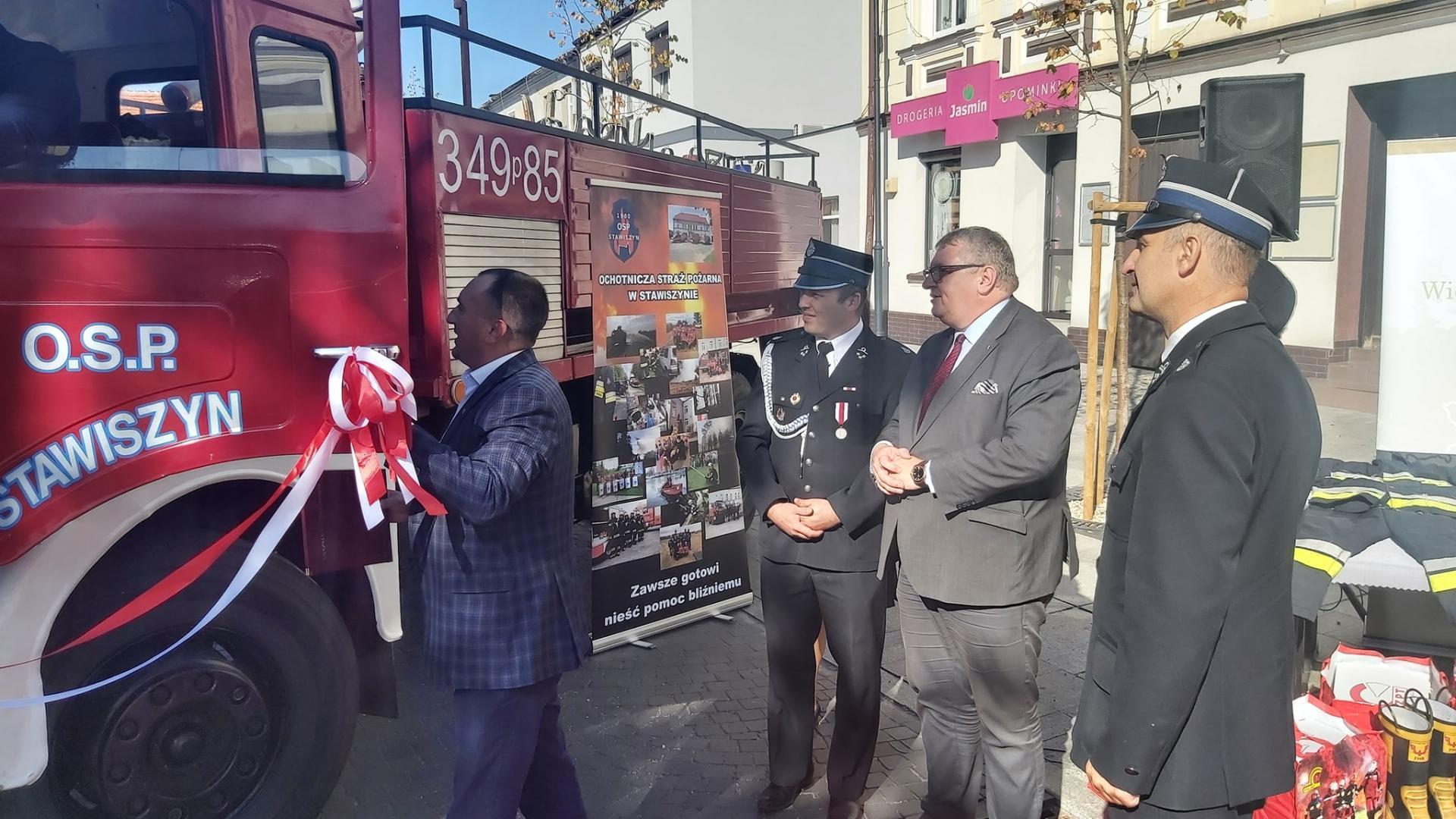 Wóz strażacki z Województwa Wielkopolskiego dla Mołdawii - zobacz więcej